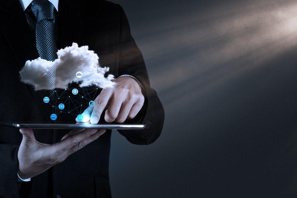 IT working on cloud network