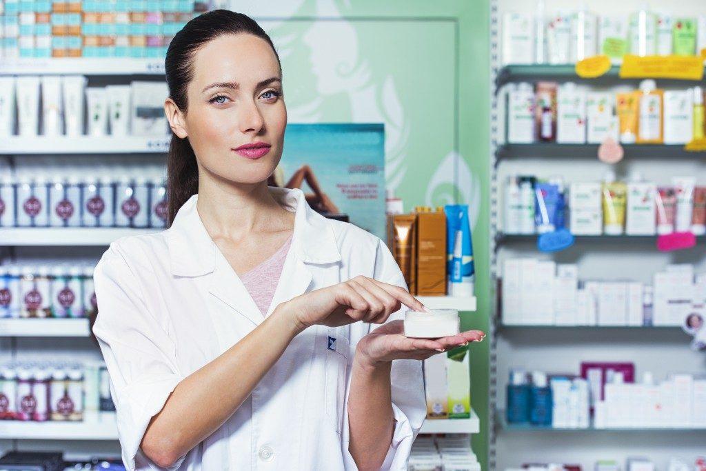 Pharmacy Technician Testing a cream based product